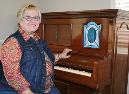 JeanneHamilton_piano_donation2.jpg