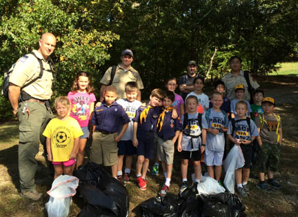 Cub Scout Clean Up IH Trails 10.12.15_.jpg