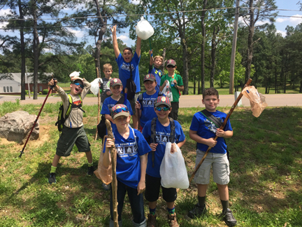 CubScoutCleanUp_IH_Trails_4.23.16.jpg
